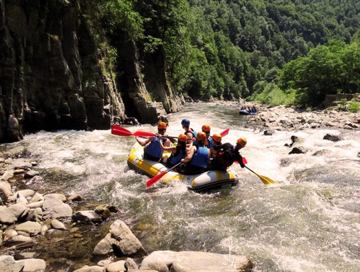 Rafting pe Jiu Oltenia